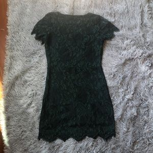 Storia Dresses - NWOT Storia Lace and Mesh Green Bodycon Mini Dress